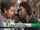 'Revolution Is Inevitable': Russell Brand Hits Wall Street, Kisses RT Interviewer VIDEO