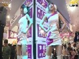 Cute Chinese Girls Dance Hot Dance At Electronic Store
