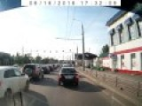 Russian Road Rage Leads To Fisticuffs