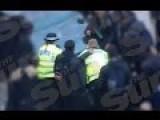 30 Brutal Schoolkids Attacking Cops
