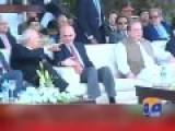 PM Of Pakistan Being Ignored By Afghan PM.. Literally