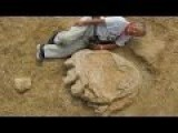 Oct. 6, 2016 Massive Dinosaur Footprint Found In Mongolia