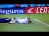 Luis Suarez Bites Chiellini - Italy Vs Uruguay 0-1