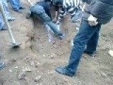 Syria Digging Two Graves Of Martyrs And Beautiful Smell Emits