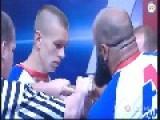 Arm Wrestling: White 70 Kg Guy Vs 110 Kg Islamic One - Who Will Win?
