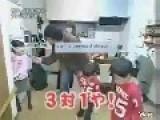 ★★★ Brave Japanese Kids Attack A FSA, Al-Qaeda Zombie★★★