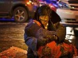 An Old Man In China Holding His Dead Wife For 2 Hours In The Street, Refuse To Let Go