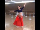 9 Month Pregnant Woman Can Belly Dance Like Normal