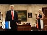 Baldwin's Trump Returns To SNL In A State Of Panic