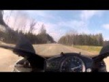 Crazy Race Mercedes SL63 AMG Vs. 2 Yamaha R1 At 300 Km H