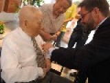 Chinese Veteran Receives Medal From France For Bravery In D-Day Normandy Landing