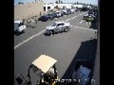 CCTV: Los Angeles Gas Theft In Broad Daylight - Caught In The Act