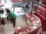 CCTV-Robbery Fail In A Gold Shop