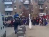 Civilians Block The Road Demanding Social Payments City Torez, Rebels Territory