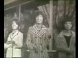 Dancing In The Street - Martha And The Vandellas B&W