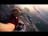 Daredevil Adrenaline Junkie Dances 101 Storeys Above The Ground
