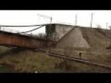 East-Ukraine: In Mariupol The Railway Bridge Is Blown Up