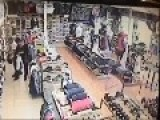 Funny Shoplifting Raw Footage Manger Chases One Lifter And The Other Gets Scared