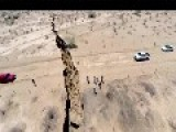 GIANT CRACK APPEARS IN THE GROUND IN MEXICO