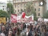 Greece Paralysed As Tens Of Thousands Strike Against Further Cutbacks