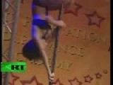 Guys Vs Girls..Russia Vs India.......Pole Dance