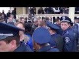 In Odessa Police Break Up Fight Between Right Sector And Ukraine Army Special Airbourne Officers