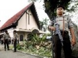 Indonesia: Muslims Attack Group Of Catholics While Praying