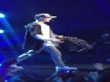Justin Bieber Leaves In Middle Of Concert