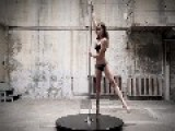 Karo Swen - Pole Dance
