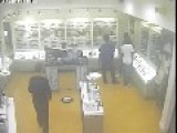 Low Res CCTV Footage Of A Trio Of Miscreants Stealing $4500 Worth Of Shiny Sunglasses In Crime Ridden Florida
