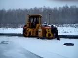 Laying Asphalt In Russian - Roller Slips !!!