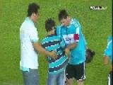 Leo Messi Vs Pitch Invaders