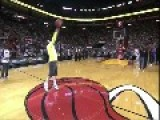 LeBron James Is Super Happy When MH Fan Hit Half Court Shot To Win $75K