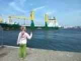 Little Girl Wants A Honk!