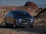 Mercedes F 015 Luxury: Auto-driving On The Road