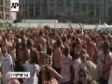 Massive Tomato Fight In Amsterdam