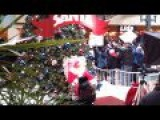 Part Time Mall Santa Annoyed With Minimum Wage Protesters