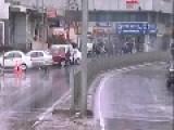 PKK Kurd Protestors Throw Molotovs To Public Bus