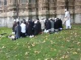 Protesting British Muslims Pray On Grounds Of Westminster Abbey