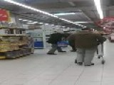 Retirees Fighting In Polish Tesco