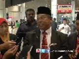 Raja Bomoh Witchdoctor Trying To Locate MH370 Using Fish Traps And Bamboo
