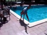 Spain - Drunk Guy + Pool = Epic Fail