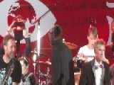 Science Guy Bill Nye Rocks Out With Pearl Jam At Global Citizen Festival