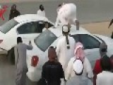 SAUDI ARABIA--How To Drift With Someone Else Car!