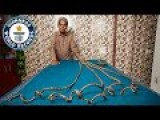 The Longest Finger Nails In The World