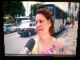 Thief Attempts Stealing From Woman During TV Interview About Robberies In Rio !