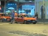 Taxi Driver Beats Thief Inna Steven Seagal Style