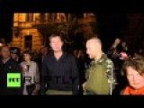 Ukraine Police Commander Insults Protesting National Guardsmen In Russian