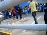Venezuela President Closes Chain Store - Declares Everything Must Go, Chaos Ensues