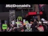 Workers Demand $15 Living Wages In US